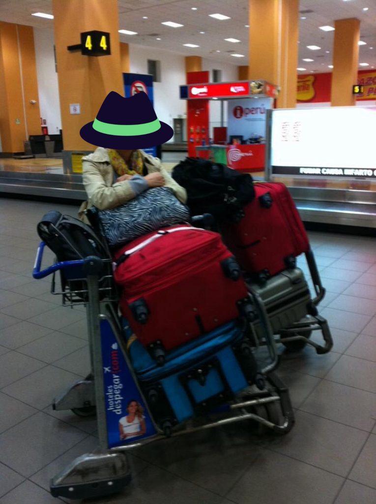 ペルー、ビジネスクラス、旅、預け荷物32㎏を2つ