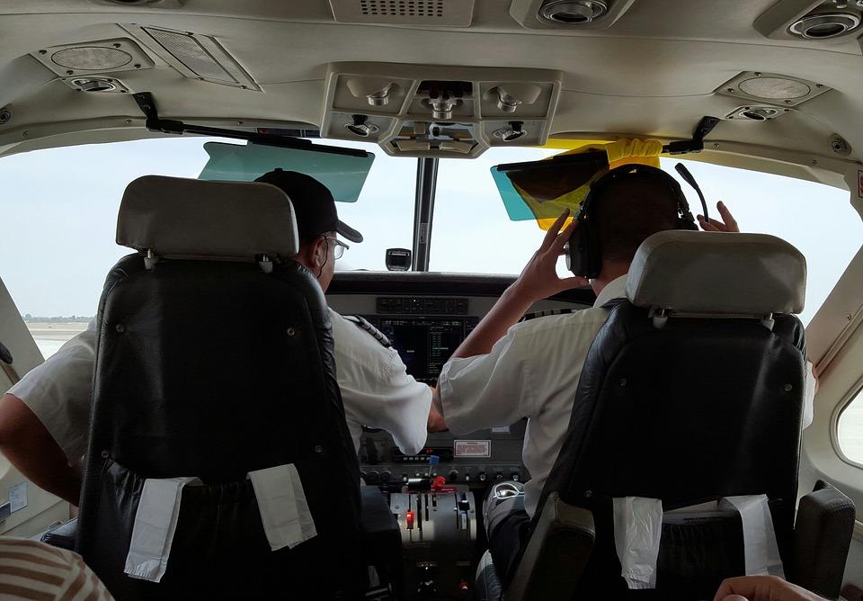 旅行、飛行機