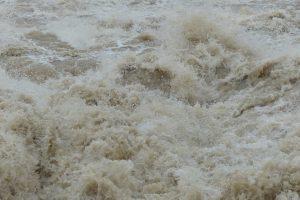 ペルー、大雨、洪水、土砂崩れ、非常事態宣言