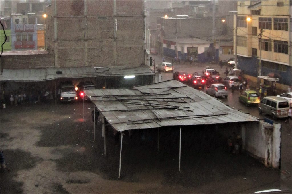 南米、ペルー、大雨、洪水