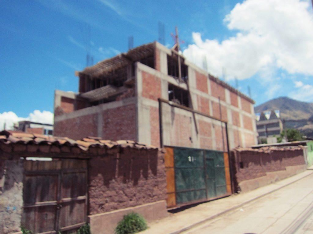 ペルー、海外生活、建物、レンガ