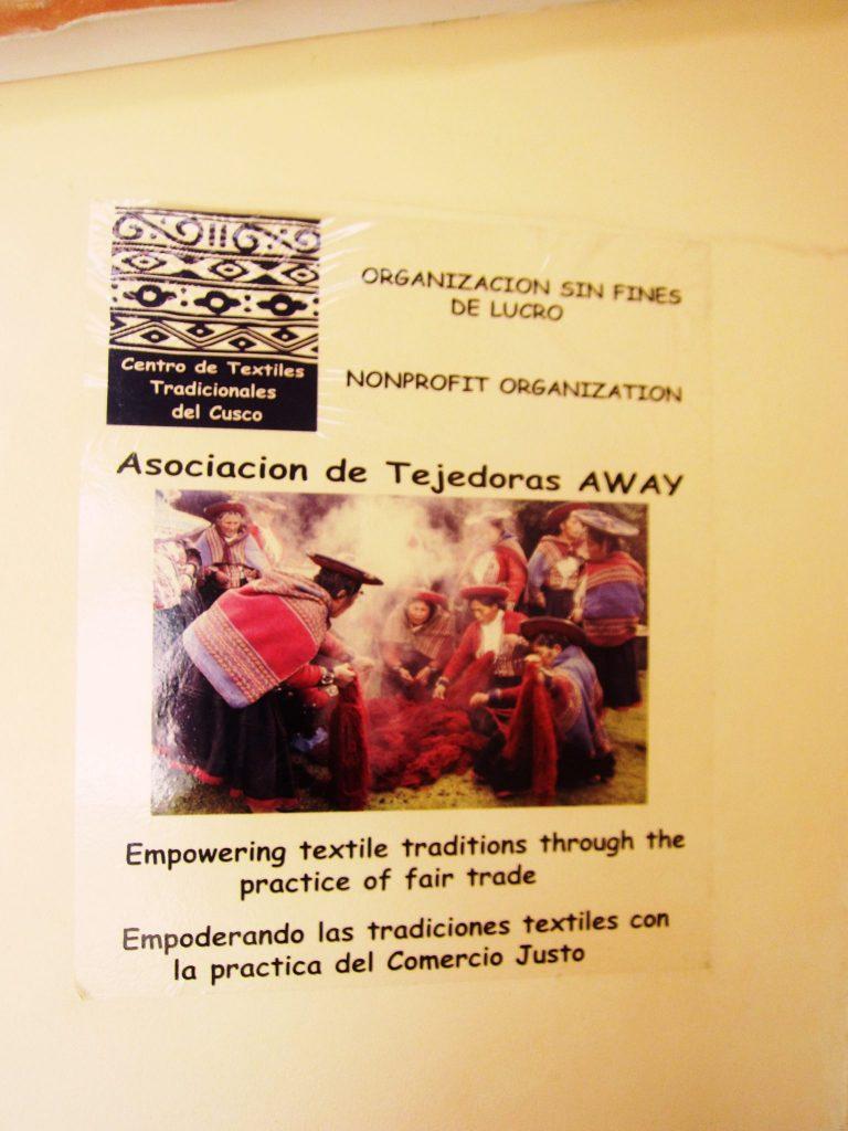 ペルー、クスコ、観光スポット、チンチェーロ、Chinchero、お土産、アンデス、織物