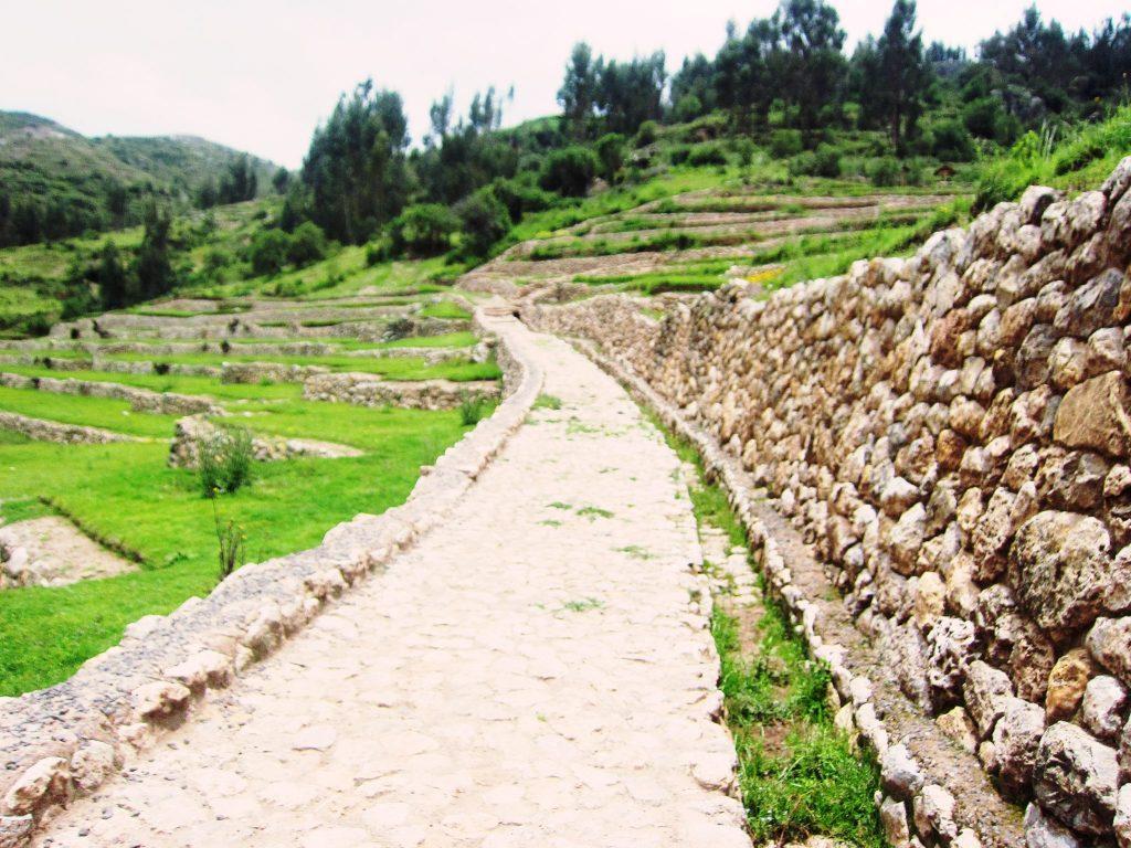 ペルー、クスコ、観光スポット、遺跡、インカ、Inkilltambo