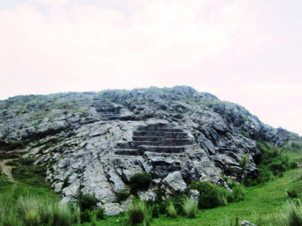 ペルー、クスコ、観光スポット、遺跡、インカ、Amaru Markawasi、月の神殿、Templo de la Luna