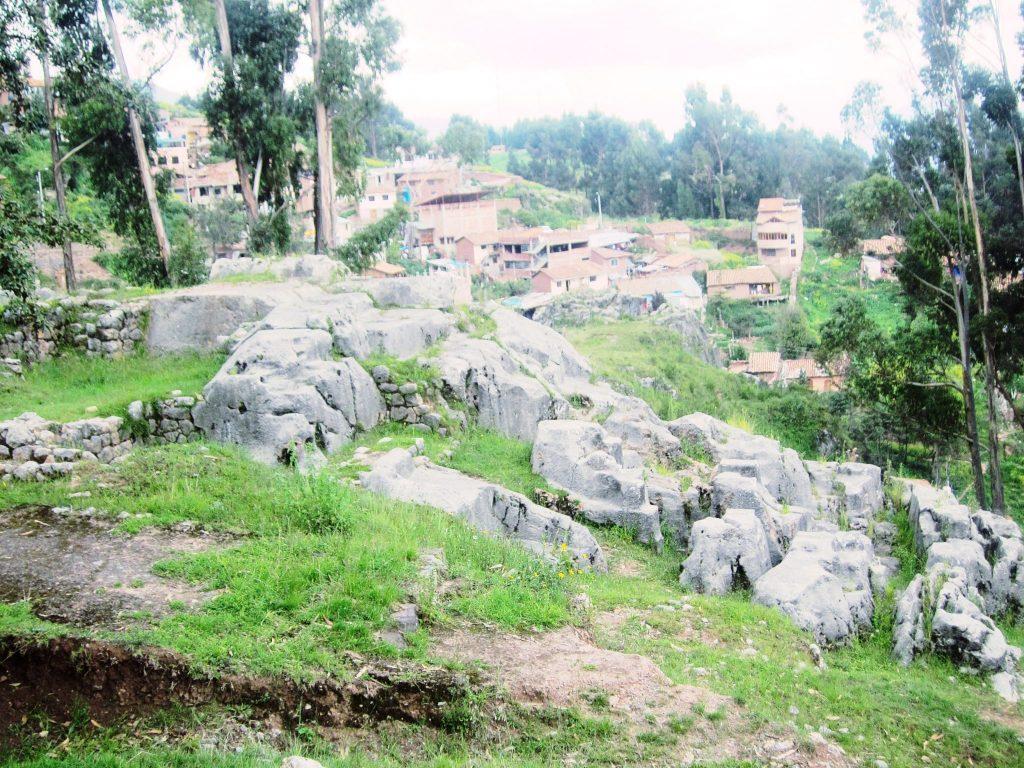 ペルー、クスコ、観光スポット、遺跡、Qenqo、ケンコー