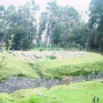 ペルー・クスコの隠れ観光スポットで、入場無料の遺跡 Qenqo Chico 小ケンコー!いったい何の場所だったのかは謎
