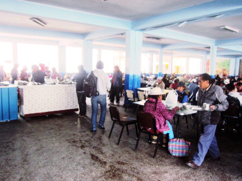 ペルー、クスコ、ペルー料理、大衆食堂