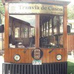 ペルー・クスコ市内の観光スポットを巡るクスコ市街車両 Tranvía de Cusco とクスコ市を見渡せるペンション風ホテル La Casita de la Estación Qolqanpata コルカンパタ駅の家