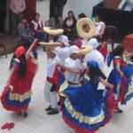 ペルーの学校行事!ダンスは欠かせない!南米ペルーでは、子どもの時から踊りまくっている為、みんな上手!