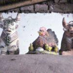 ペルー・クスコでよく見る屋根の上のシーサーのような牛の像にはどんな意味があるの?ペルーの伝統、風習
