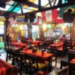 ペルー・マチュピチュ村アグアス・カリエンテスのレストラン La casa de Chef は、遊べて楽しい!