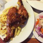 ペルー・クスコ市、中心地の人気ローストチキン・レストラン Super Pollo!