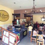 ペルー Quillabamba キヤバンバの超人気カフェ・レストラン La Esquina ラ・エスキーナ