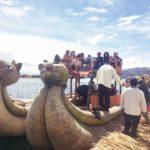 ペルー・プーノ観光チチカカ湖のウロスの浮き島 Las islas Flotantes de los Uros