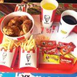 クスコ・アルマス広場を一望できる KFC ケンタッキー・フライドチキン